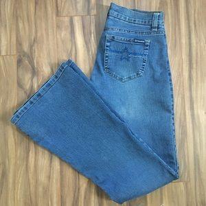 🇺🇸✨Roxy flare fit jeans. Size 00